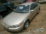 Photo Clean Toyota Camry 2006 Gold