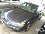 Photo Used Toyota Camry 2004 Purple
