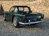 Foto Triumph TR250 matching numbers and colours,...