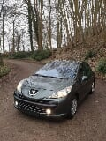 Photo Peugeot 207 1.4 diesel feuille rose airco