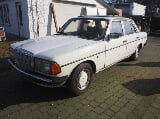 Photo Oldtimer Mercedes 123