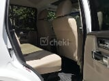 Photo 2013 White Automatic Land Rover Discovery