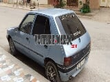 Photo 205 Peugeot Essence Mod 1983 à Nador