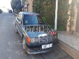 Photo 190 Mercedes-Benz Diesel Mod 1986 à Casablanca
