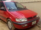 Photo Mitsubishi Spacerunner 2000 Red