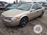 Photo Toyota Camry 2000 Gold