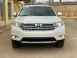Photo 2012 White Automatic Toyota Highlander