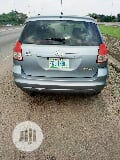 Photo Toyota Matrix 2004 Blue