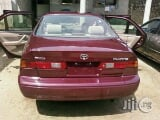 Photo Clean Toyota Camry 2000 Red