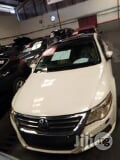 Photo Volkswagen Passat 2009 White
