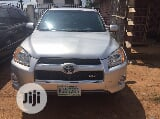 Photo Toyota Rav4 2009 Limited V6 4X4 Silver