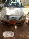Photo Mercedes-Benz B-Class 2008 Gold