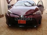 Photo 2017 Maroon Automatic Toyota Corolla