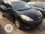 Photo Toyota Sienna 2008 XLE Black