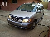 Photo Toyota Sienna 1999 Gold