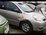 Photo Silver toyota sienna 2005
