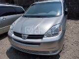 Photo 2004 Silver Automatic Toyota Sienna