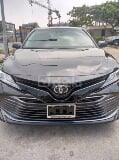 Photo 2018 Black Automatic Toyota Camry