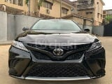 Photo 2019 Black Automatic Toyota Camry