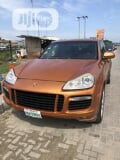 Photo Porsche Cayenne GTS 2010 Orange