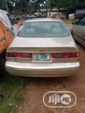 Photo Toyota Camry Automatic 1999 Gold