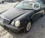 Photo Mercedes-Benz E320 2000 Black