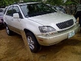 Photo Grab Clean Lexus RX 300 2000 model registered