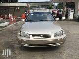 Photo Toyota Camry 1998 Automatic Gold