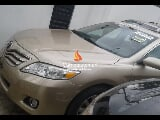 Photo Gold toyota camry xle 2010