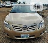 Photo Toyota Camry 2010 Gold