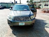 Photo 2009 Green Automatic Toyota Highlander