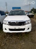 Photo Clean Toyota Hilux 2012