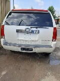 Photo 2010 White Automatic Cadillac Escalade