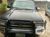 Photo Toyota 4-Runner 1999 Black