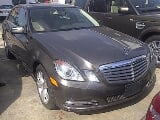 Photo 2011 MERCEDES E350 on auction in custom office,...