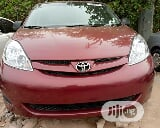 Photo Toyota Sienna 2008 Le Red