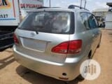 Photo Toyota Avensis Verso Automatic 2004 Silver