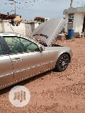 Photo Mercedes-Benz E320 2007 Gold
