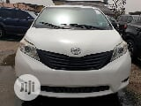 Photo Toyota Sienna Limited 7-Passenger Awd 2013 White