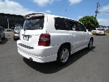 Photo 2004 Toyota Kluger 2.4L S