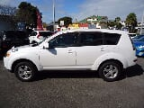 Photo Mitsubishi Outlander 24M 7 Seater 4WD(Low Kms),...