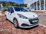 Photo 2015 Peugeot 208 1.0 Pop Art hatch with only 40...