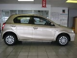 Photo 2016 toyota etios 1.5 sprint 5-door