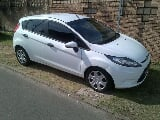 Photo 2010 ford fiesta 1.4i ambiente with low kms!...