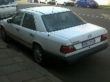 Photo White Mercedes 230 E_124 Series in...
