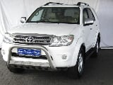Photo 2010 Toyota Fortuner 4.0 V6 4x4 AT for sale!